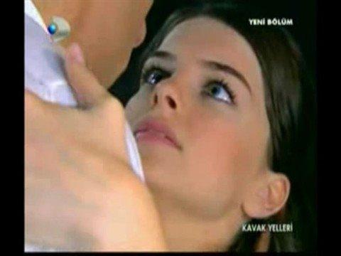 Efe - Asl� -  First Time - First Kiss /  Kavak Yelleri