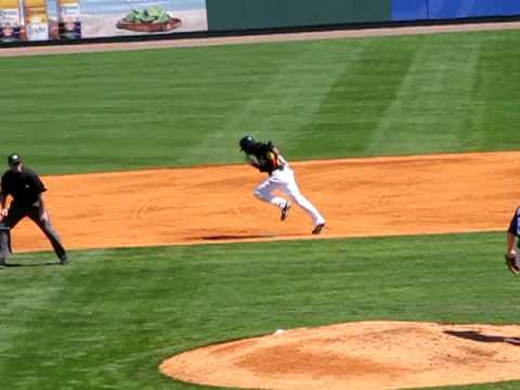 Andrew McCutchen Steals Second Video
