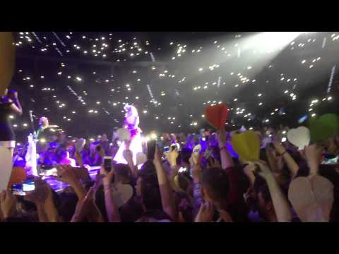 Katy Perry - Unconditionally (poland, Krakow 24.02.2015) video