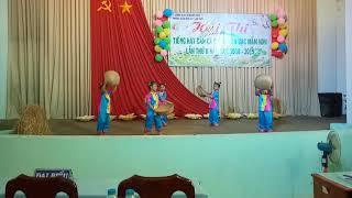Hát múa dân ca truong MG Tuổi Thơ 4