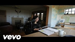 Watch Pj Harvey The Glorious Land video