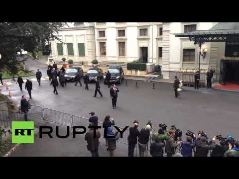 Switzerland: John Kerry takes morning stroll at Iran nuclear talks