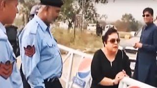 Shireen Mazari removing obstacles like a Boss to reach Bani Gala