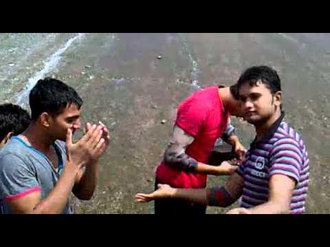Chikni Kamar Pe Tere Mera Dil Phisal Gya - Rowdy Rathore 2012 From Ali Junaid Frndz video