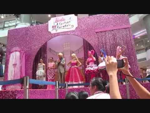 Barbie A Fashion Fairytale Cast cast members in Barbie a