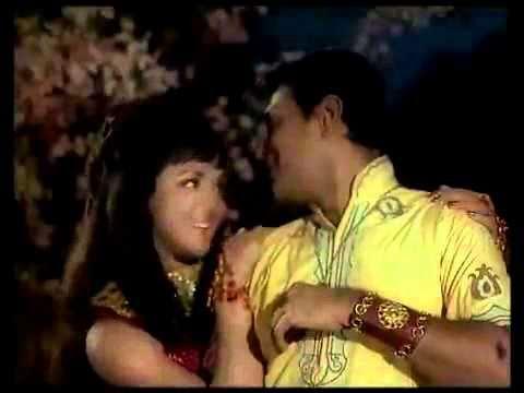 Dheere Dheere Bol - Rajendra Kumar   Hema Malini - Gora Aur Kala.flv video