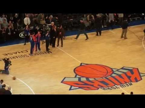 NBA 2013/14: New York Knicks vs. Philadelphia 76ers (Live at Madison Square Garden)