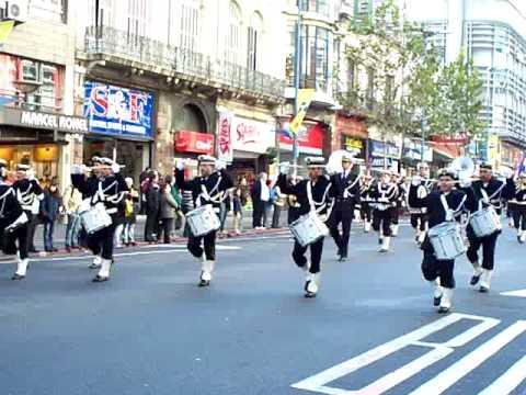 Comienzo desfile militar del 19 de Junio de 2009, Escuela Naval.