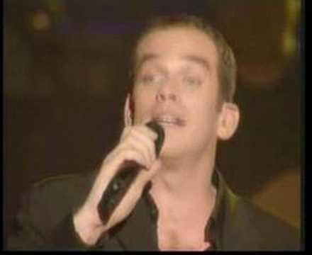 Garou - Gitan En concierto en Paris Vivre ma vie comme un gitan Vivre ma vie