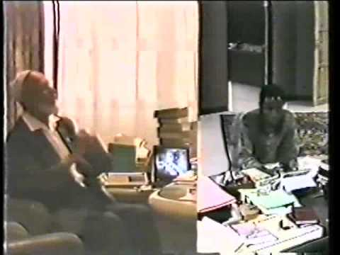 Jehovah's Witness Visits Sheikh Deedat - Sheikh Ahmed Deedat video