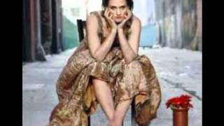 Watch Madeleine Peyroux Lovesick Blues video