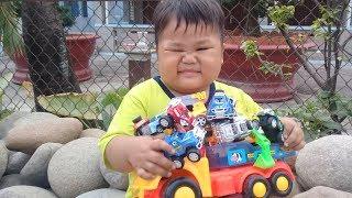 Đồ chơi trẻ em bé pin chạy xe đi mua xe con ❤ PinPin TV ❤ Baby toys car mini