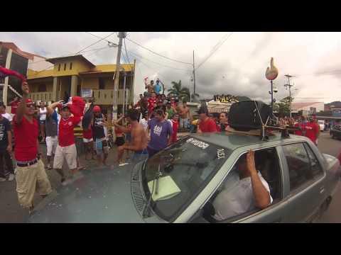 Celebracion en Jaco... Costa Rica 3 - Uruguay 1.