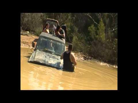 datsun nissan patrol mq getting sunk at menai!! locked up the motor..