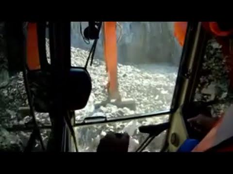 DOOSAN VS VOLVO  200 excavator