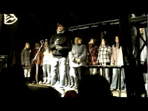 Wham! - Last Christmas / Petr Kotvald - Zář Vánoc / Sbor ZŠ Za Chlumem Bílina