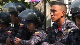 Caracas : forte présence policière avant une manifestation | AFP Images