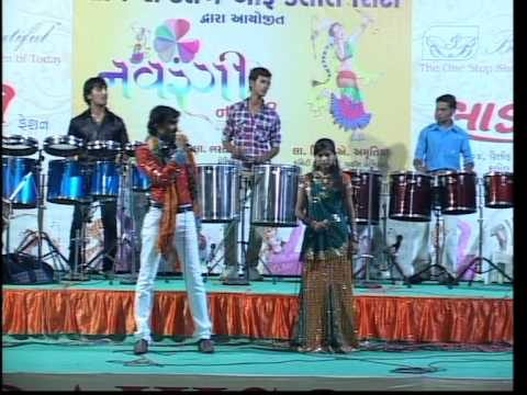 Gujarati Garba Song Navratri Live 2011 - Lions Club Kalol - Jignesh Kaviraj - Day -3 Part - 4 video