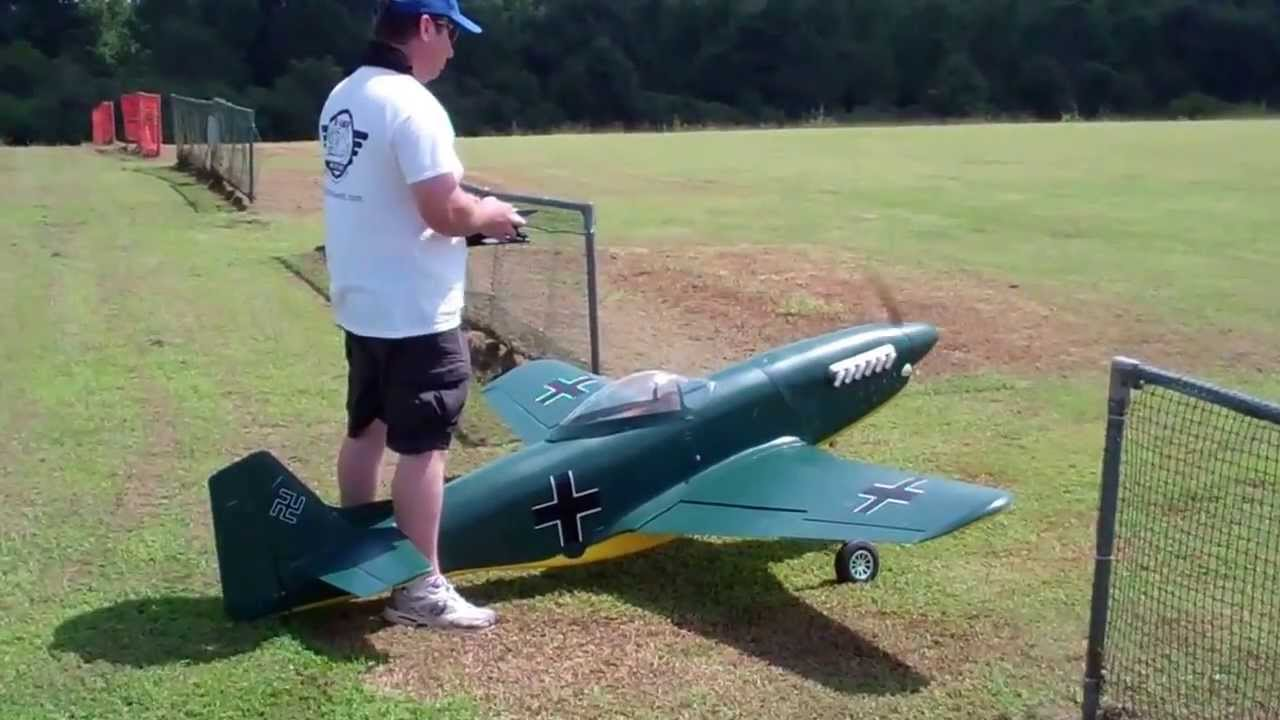Rich Flying His 1 4 Scale Bud Nosen P 51d Mustang Youtube
