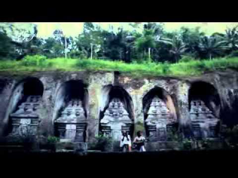 Nyanyian Dharma - Trie Utami Feat Dewa Budjana video