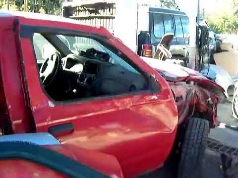 PATIO DE AUTOS CHOCADOS 006