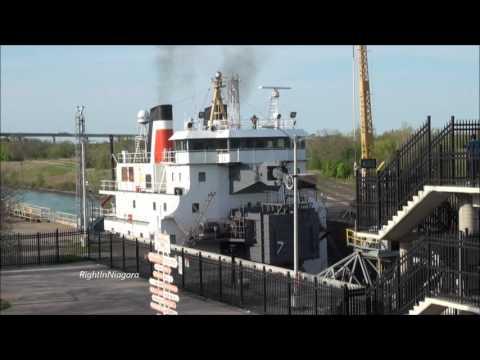 Ship CSL ASSINIBOINE & barge LAMBERT SPIRIT passing on Welland Canal