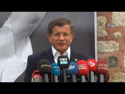Ahmet Davutoğlu, Naim Süleymanoğlu'nun Cenaze Törenine Katıldı