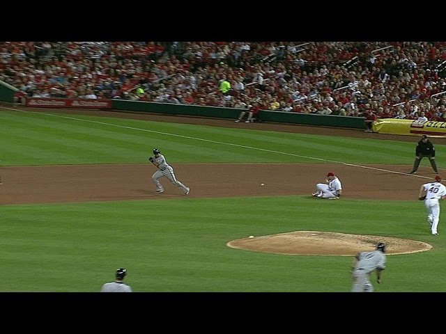 MIL@STL: Error at first base allows Clark to score