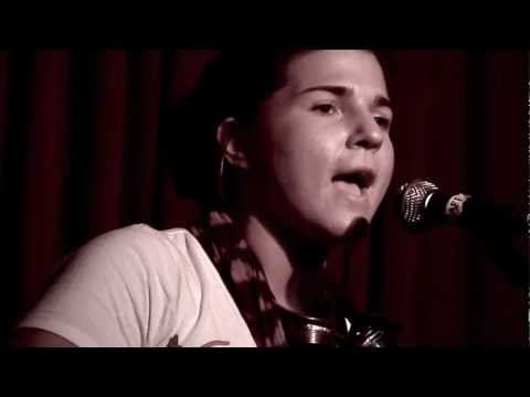Daphne Willis - Love And Hate
