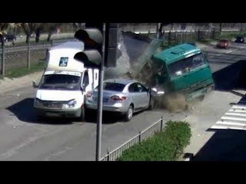 Choques de autos Impresionantes 2013 - Manejando a lo ruso