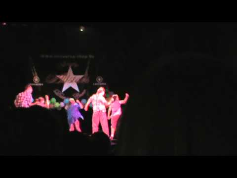 Hip hop dance, teenagers, amateur show
