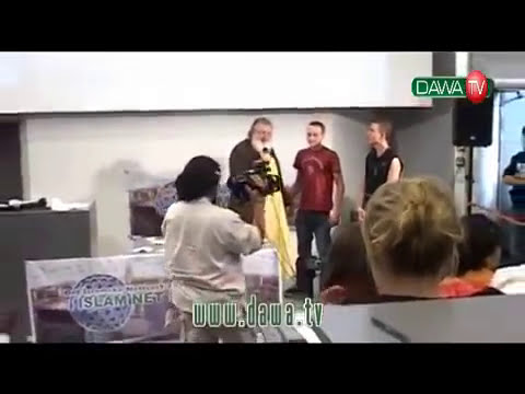 4 people convert to Islam after Yussef Estes Lecture