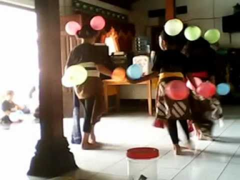 Black Dig Dot Dance By Sanggar trisna Budaya Adi video