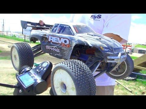 RC ADVENTURES - Traxxas Revo 3.3 Nitro 2spd 4WD Monster Truck