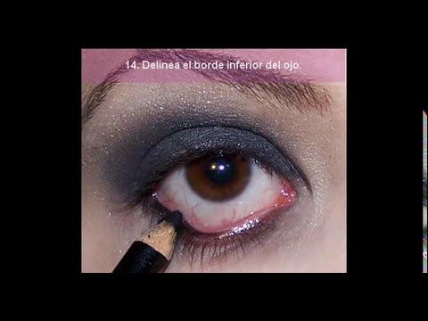 maquillaje de ojos difuminado negro