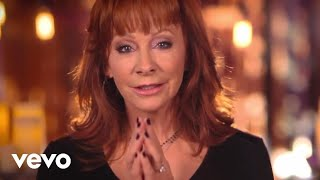 Watch Reba McEntire Pray For Peace video