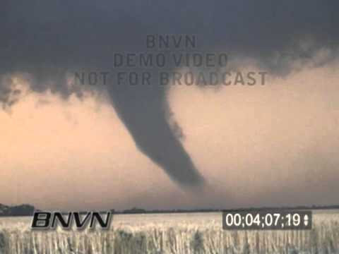 5/29/2004 Tornado Video Between Argonia and Conway Springs in Sumner County Kansas