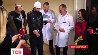 37 поранених бійців доправили гвинтокрилами до дніпропетровських шпиталів - : 2:48 - (видео)