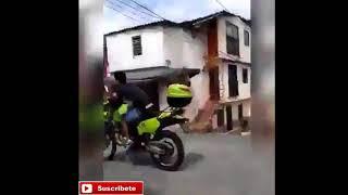 LE ROBAN LA MOTO A UN POLICÍA!! | YA PERDIÓ MOTO!! | (2018)