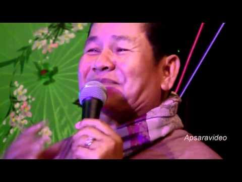 Khmer-English jokes.  Comedian Prum Manh at Golden Villa Restaurant LB