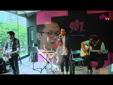 Sezairi Sezali performs 'Broken' !