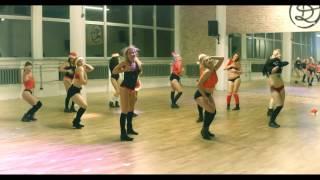 Let It SNOW! Let it SNOW! Let it SNOW! TWERK christmas choreography    Twerkout Crew Dance