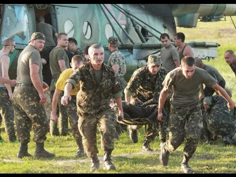 Буковинські медики кажуть, що у зоні бойових дій потрібно робити те, чого їх не вчили