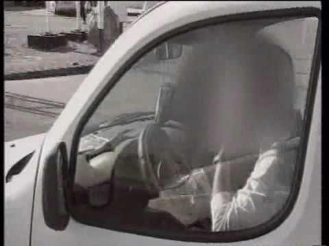 תיעוד: מה הנהג הישראלי עושה תוך כדי נהיגה?