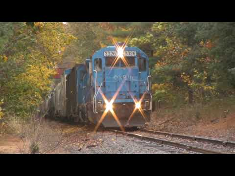 HD: Conrail Blue and Fall Colors! CR #3026, Loud Leslie RS3L!