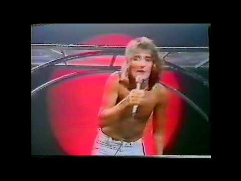 Rod Stewart - Pretty Flamingo - A night on the town TV special 1976