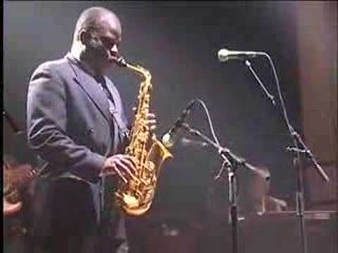 "Maceo Parker LIVE ""Pass The Peas"""