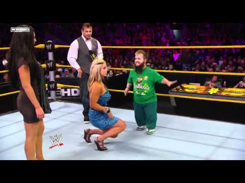 WWE NXT Rookie Diva Challenge Kissing-Contest 1/2