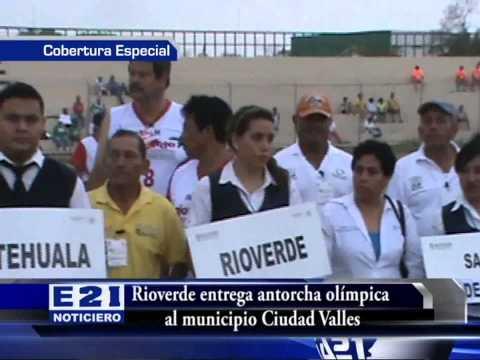 AUTORIDADES MUNICIPALES ENCABEZAN ENTREGA DE ANTORCHA DEPORTIVA A CIUDAD VALLES