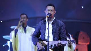 Yohannes Girma ft. Zetseat Choir -  Live Worship - AmlekoTube.com